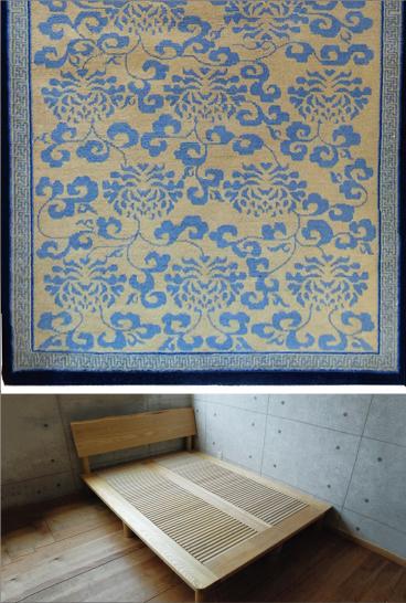 チベット絨毯 と 木のベッド